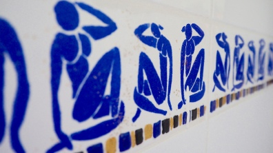 Matisse tile detail in the en-suite shower room